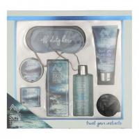 Style & Grace Skin Expert Off Duty Hero Gift Set.