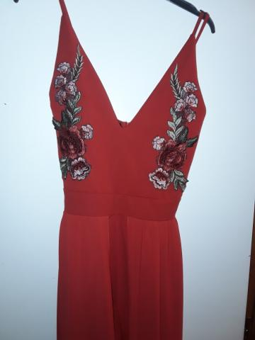 BEAUTIFUL RED JUMPSUIT WITH SHORTS ONE SIZE