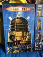 Doctor who with pop up poster and model kit