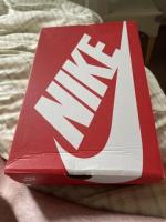 New Nike air size 10 looking to sell ASAP