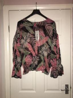 Ladies Blouse from Culture Size 22-24 RRP £65 NWT