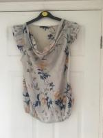 River Island Top Size 14 Excellent Condition (postage available)