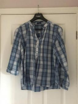 M&CO check Blue& White Blouse Size 16 Excellent Condition (postage available)