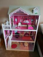 LOL giant dolls house
