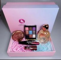 This beautiful beauty Box includes -  Rihao 9 colour eye palette  Eau De Noir Perfume 100ml - smells