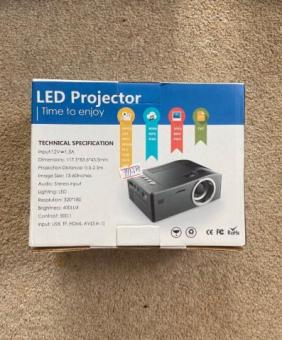 Projector 1080p hd with hdmi connection
