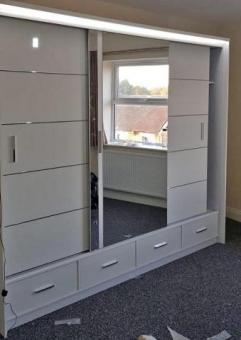 NEW SYCYLIA HIGH GLASS MIRROE SLIDING DOORS WARDROBES AVAILABLE IN DIFFERENT SIZES