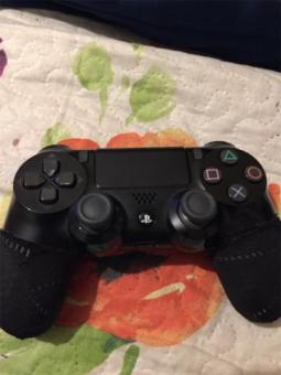 Ps4 slightly used controller