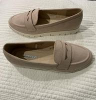 Ladies comfy shoes size 5